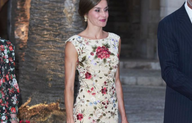 Ngoài Công nương Kate, nữ hoàng Tây Ban Nha cũng là tấm gương mặc đẹp chị em có thể học hỏi